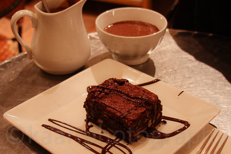 Brownie and Hot Chocolate Grandmother Style at Juliette Et Chocolate